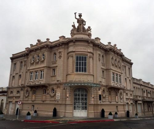 Teatro Miguel Young, Fray Bentos.