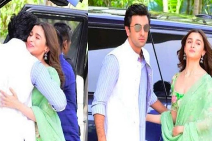 Alia and Ranbir come in the traditional avatar