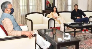 actress-bhagyashree-met-cm-trivendra-rawat-discussed-about-film-city