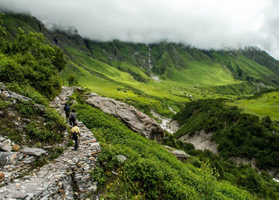 Valley of flowers Himalayan Gypsy-Best Travel Blogger India-Best Travel Photographer India-Abhishek Saraswat