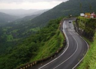 5 Overcrowded Indian Tourist Destinations To Avoid In 2020! 7