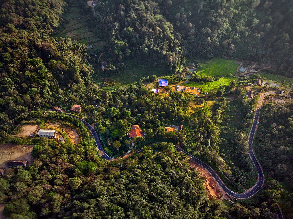 1024px-Aerial_view_of_Coorg