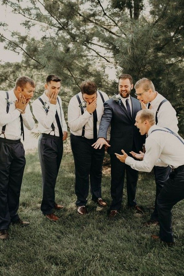 funny show off the ring groomsmen wedding photo ideas2