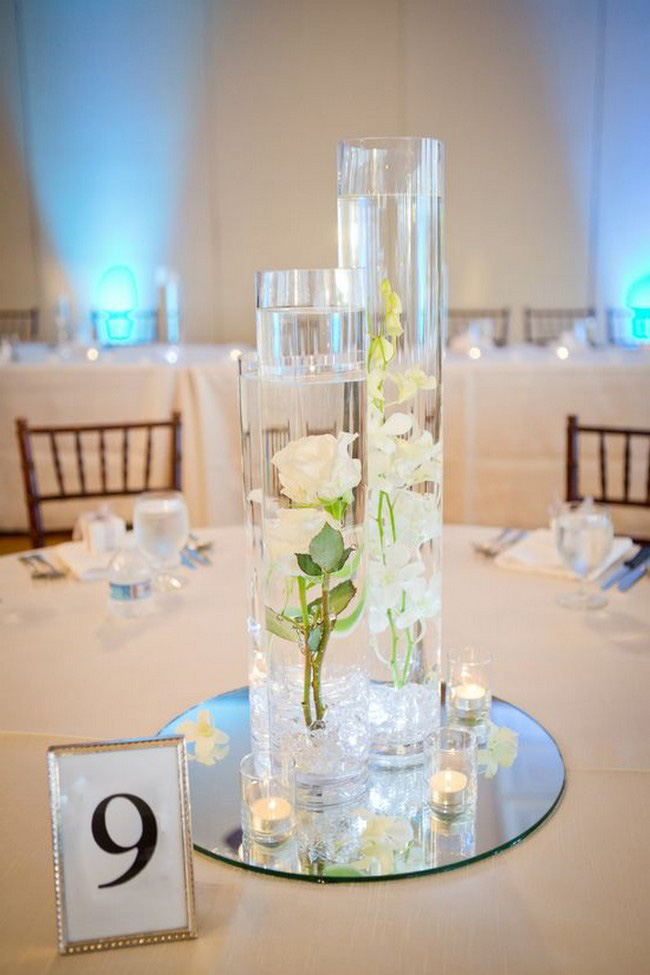 floating wedding centerpiece ideas with flowers and candles #wedding #weddingcenterpieces #centerpieces