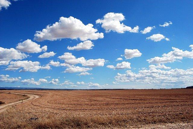 आकाश का रंग नीला क्यों दिखाई देता है