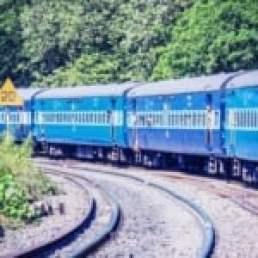 रेल-कहानी नौजवान की (Train-Story of a Man)