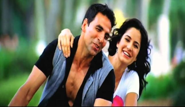 रिश्ते नाते Sab Rishte Naate (u & i) Lyrics in Hindi - De Dana Dan | Rahat Fateh Ali Khan