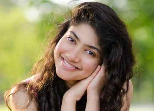 sai pallavi wants to revise her medicine knowledge