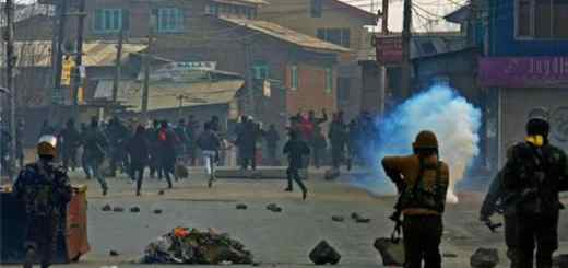Mehbooba Mufti orders withdrawal of stone-pelting cases against 4,327 people
