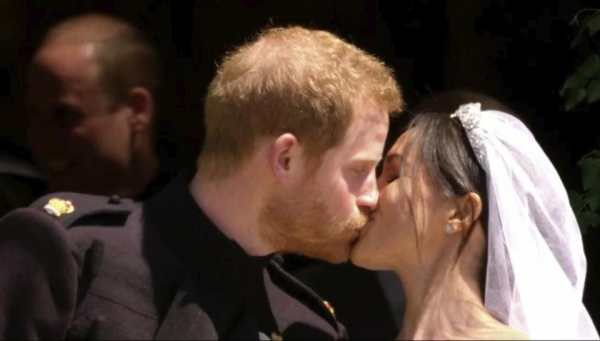Just Married! Prince Harry and Meghan Markle declared ...