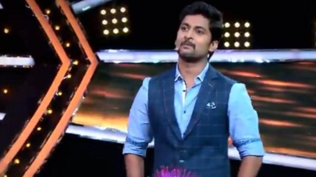 Nani is the new host of Bigg Boss Telugu, Season 2. The first season was hosted by Jr NTR.