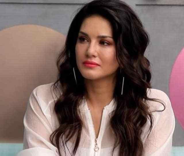 Sunny Leone Breaks Down On Arbaaz Khans Show Pinch