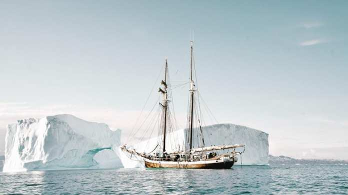Arctic cruises accused of leaving indigenous people in the cold 1