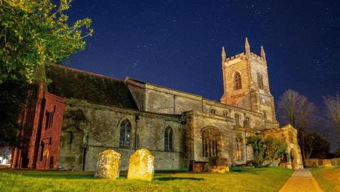 'Let us sleep': English churches welcome campers 1