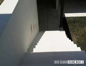 classic white limestone for wall cladding and stair at Samumjan villa