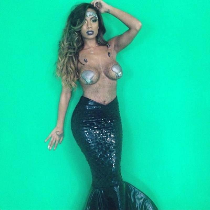 Erica Mena topless