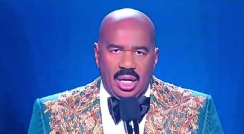 Steve Harvey Gets Roasted Hosting Missuniverse2019 Over His Suit Gets Compared To Mr Potato Head And The Miss Colombia Jokes Keep Coming But Steve S Own Jokes Get Him Under Fire For Mentioning