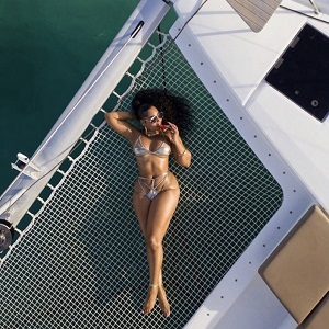 Ashanti is well-known as an accomplished singer. Recent years, though, have seen people thirsting over her body, on social media. Today, she celebrated her 40th birthday, showing her body off, on a yacht, which sent Twitter into a tailspin, over her body, with fans saying she's looking better than women in their 20s and 30s.