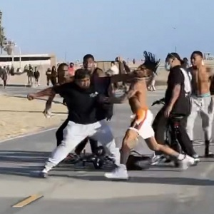 NLE Choppa fight crew one man