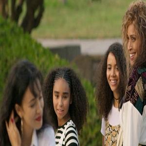 Selena meets Beyoncé