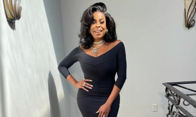 Niecy Nash shows off her Emmys look