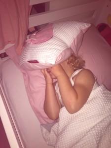 met een hoedje slapen