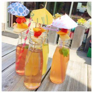 zomerse papieren parasolletjes