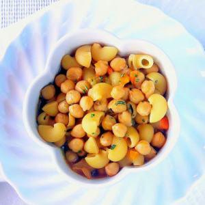 COZY! Pressure Cooker Chikpea Minestrone