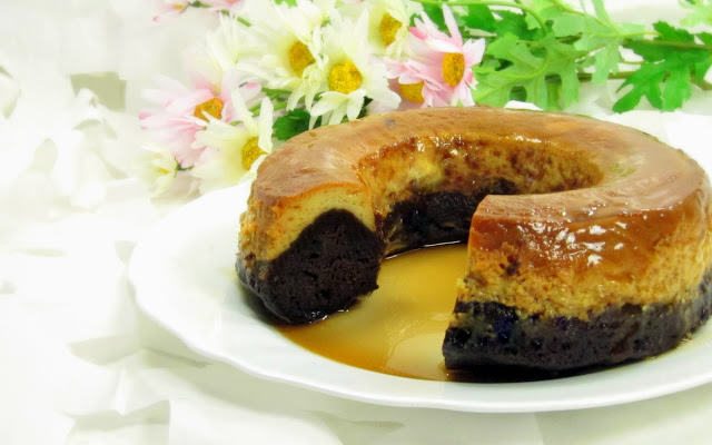Pressure Cooker Chocoflan