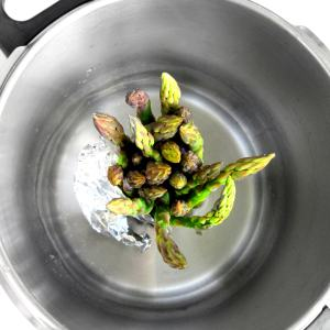Pressure Cooker Tip: Stand-up for Asparagus!