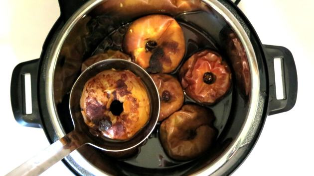 Baking Apples in the Pressure Cooker