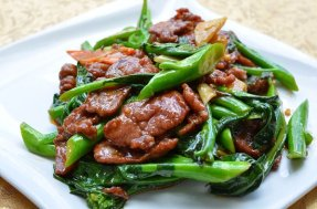 Beef w. Chinese Broccoli