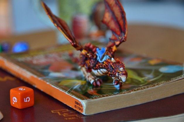 Imagination is essential, miniatures are optional... (Photo copyright H&D).