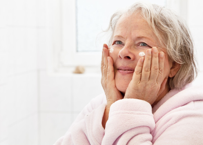 Elderly Personal Care Includes Skin Care: Tips to Enhance the Health of Aging Skin