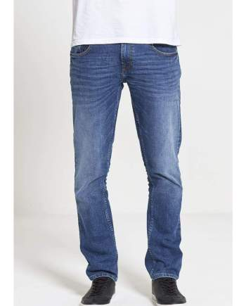 Maverick Slim Straight Stretch Jeans In Mid Wash - Jeans