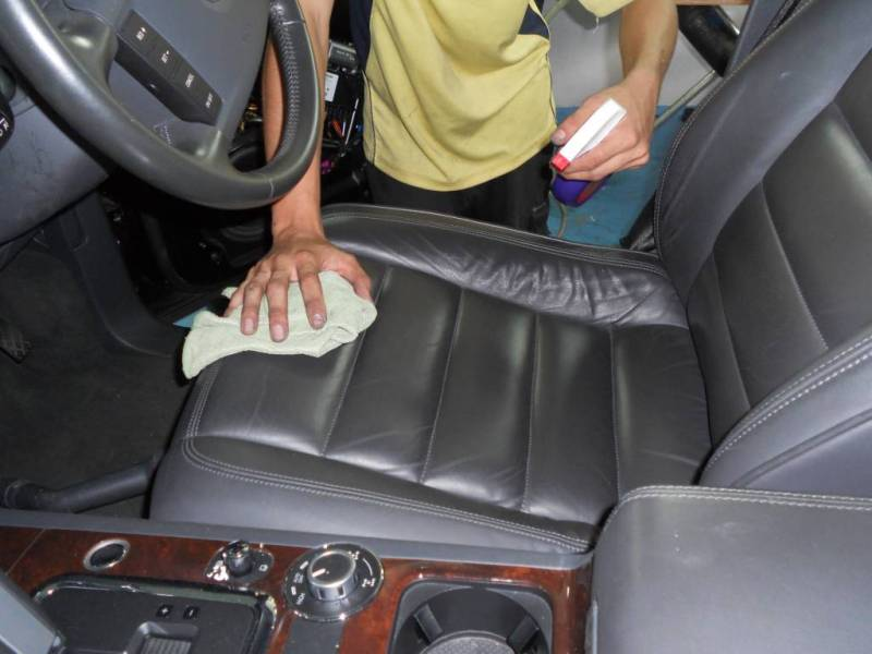cleaning interior of car. Black Bedroom Furniture Sets. Home Design Ideas