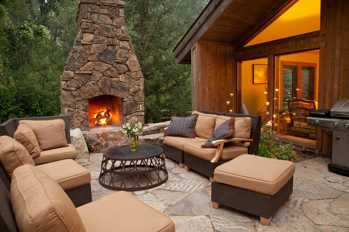 How to build an outdoor fireplace - Step-by-step guide on Pebble Patio Ideas id=80861