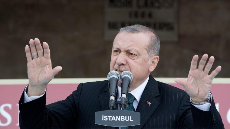 Törökország további, a szíriai határon átívelő katonai műveleteket indít
