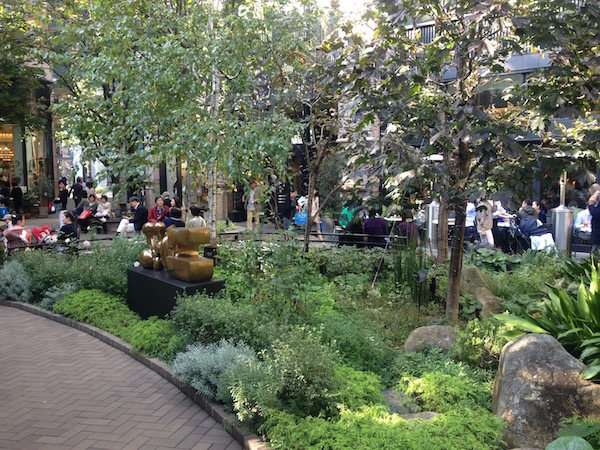 三菱一号館美術館の庭|丸の内
