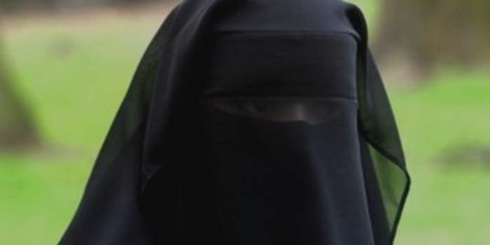 Pentingnya Peran Wanita Muslimah Dalam Masyarakat