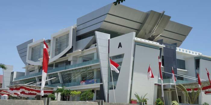 Banda-Aceh-Minta-Warga-Matikan-TV-dan-Hidupkan-Rumah-dengan-Al-Quran.jpeg