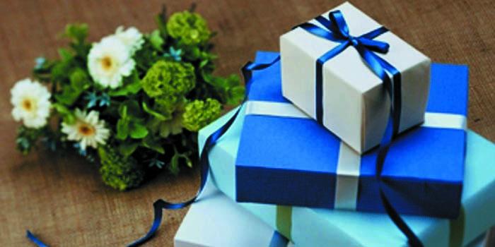 Menumbuhkan Cinta Kasih dengan Hadiah