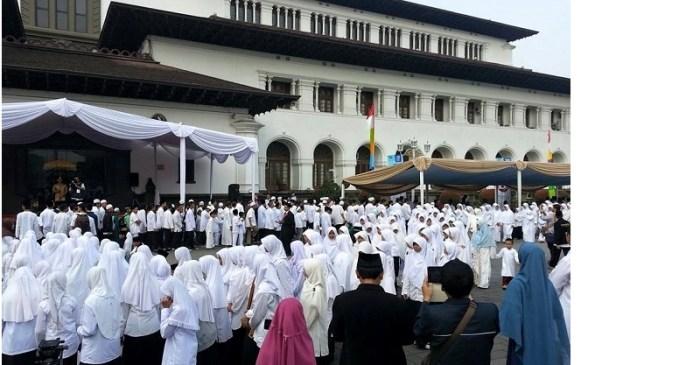 Jawa Barat Wisuda 784 Penghafal Al-Qur'an