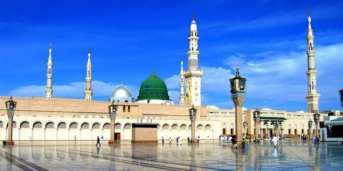 Jangan Larang Istri Anda Shalat di Masjid !