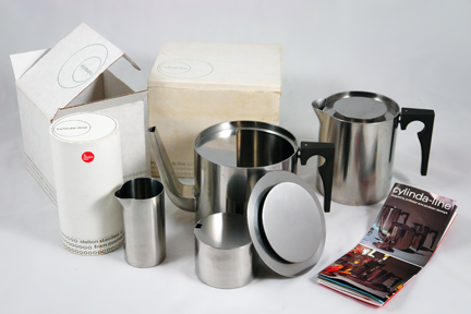 Arne Jacobsen vintage 1960s stainless steel Cylinda-line tea set designed for Danish manufacturer Stelton