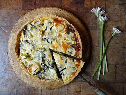 blue cheese with wild garlic pie