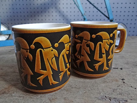 pair of Hornsea Pottery 7 Dwarfs mugs