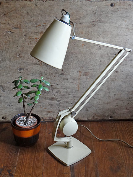 Cream-coloured vintage Horstmann anglepoise-type desk lamp