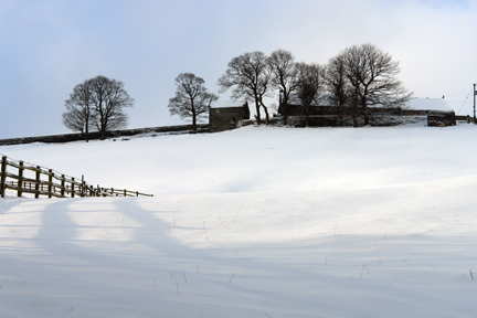 farm on Todmorden Edge in the snow