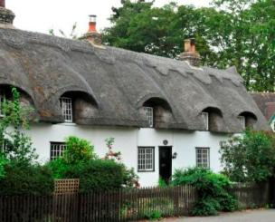 Thatched cottage in Station Road, Histon